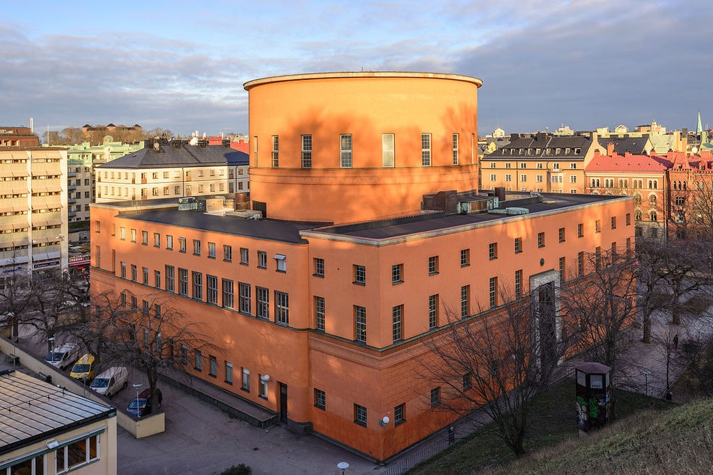 Stockholm_Public_Library_January_2015_01