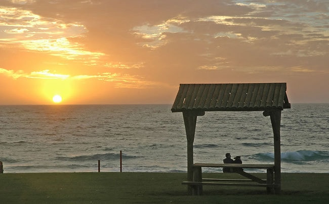 The sun sets over the Indian Ocean | © JC/Wikimedia Commons