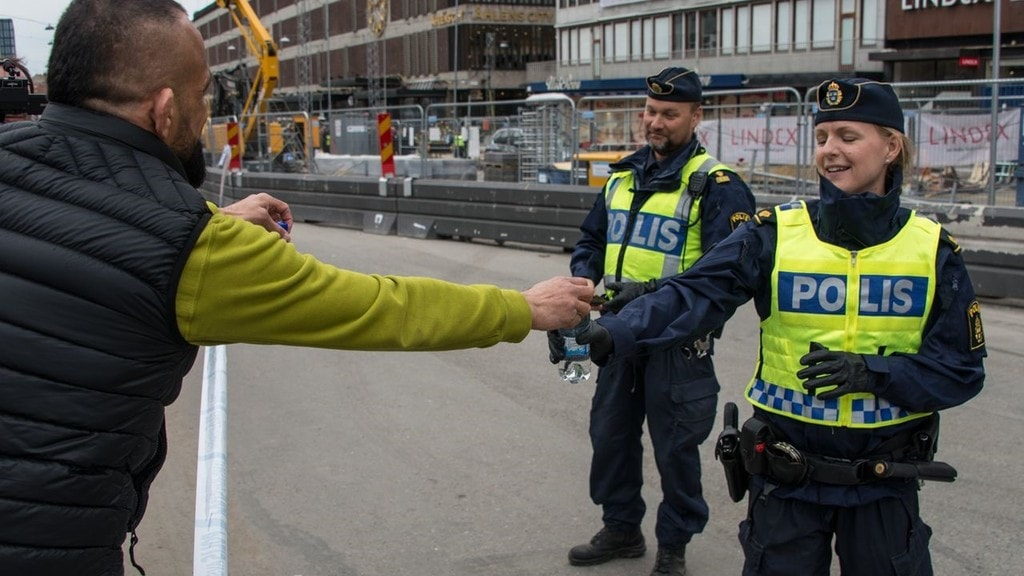The_day_after_the_terrorist_attack_in_Stockholm_in_2017-9