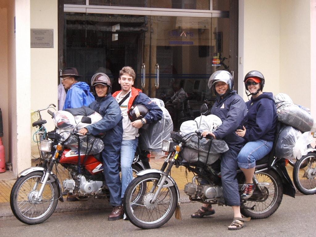 Vietnamese also love when you spend your money here | © Aviva West/Flickr