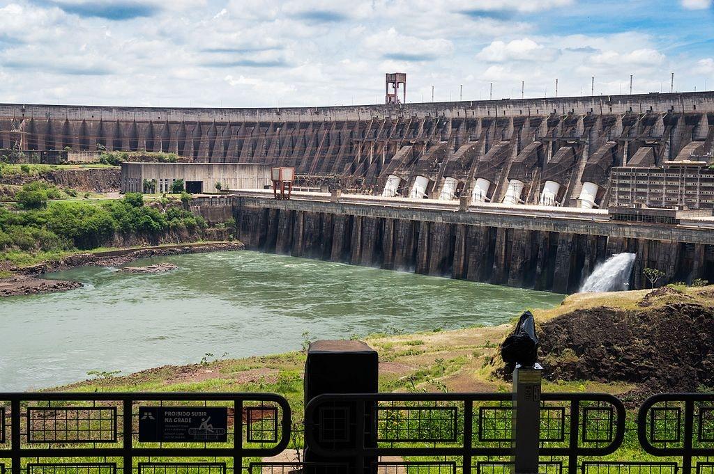 Usina_Hidroelétrica_Itaipu_Binacional_-_Itaipu_Dam_(17359159332)