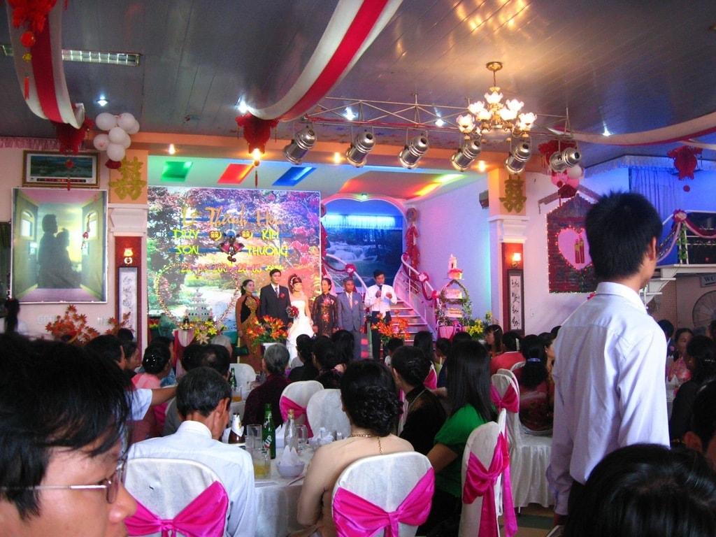 Vietnamese wedding reception | © Dragfyre/WikiCommons