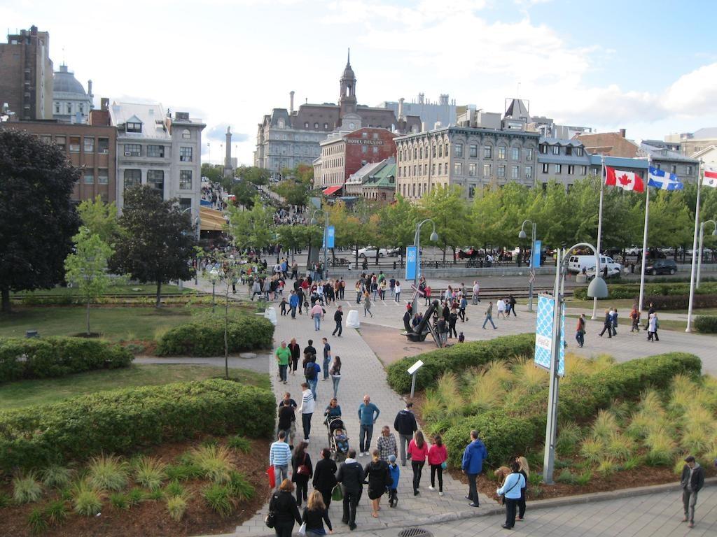 https://en.wikipedia.org/wiki/Old_Montreal#/media/File:Vieux-Port_de_Montreal_10.JPG