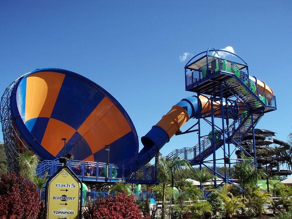 Wet'n'Wild slide | © Dave Keeshan/Wikimedia Commons