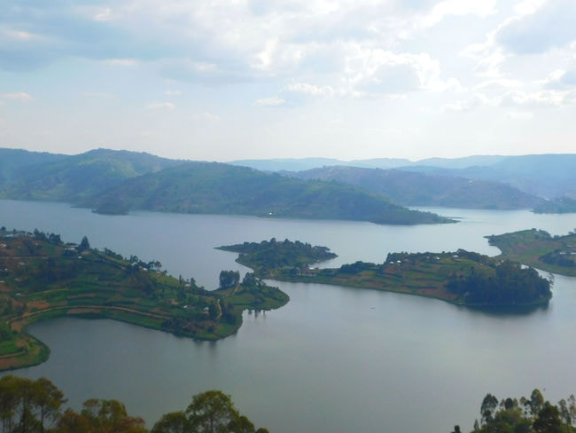 10.reasons.to.visit.uganda.gifted.by.lake.bunyonyi