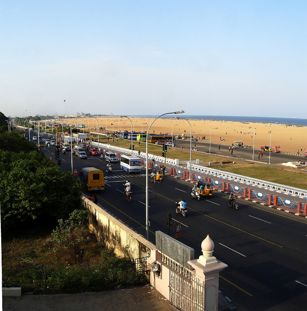 1010px-Kamarajar_Salai_and_Marina_Beach