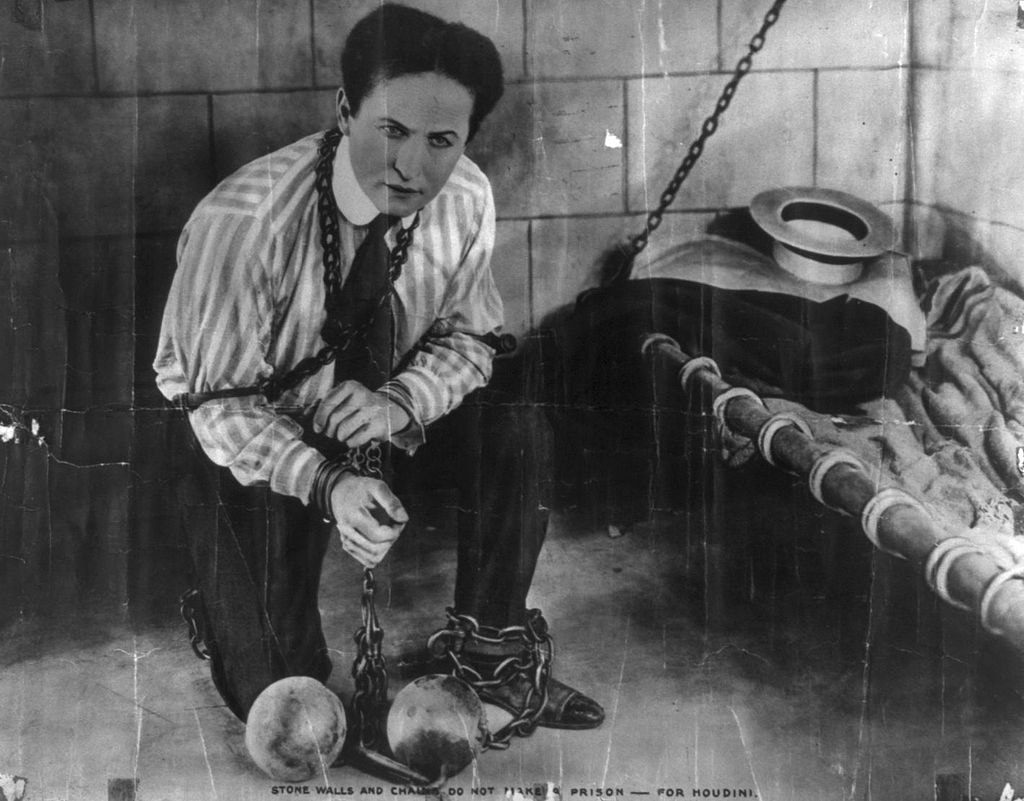 "Harry Houdini | © ""Famous Players - Lasky Corporation.""/Wikimedia Commons"