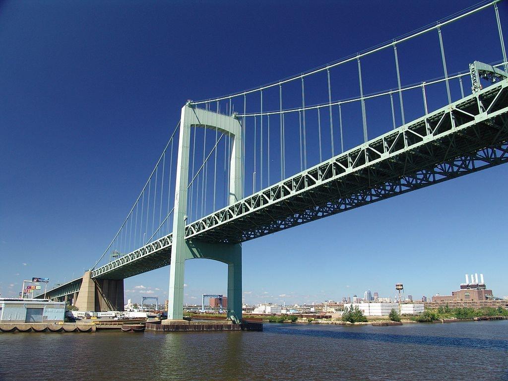 1024px-Walt_Whitman_Bridge-2