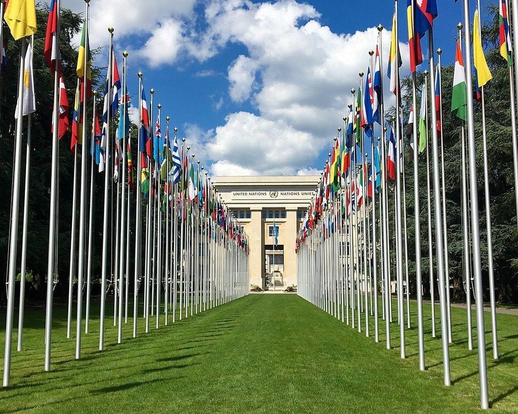 1125px-Palais_des_Nations_unies,_à_Genève