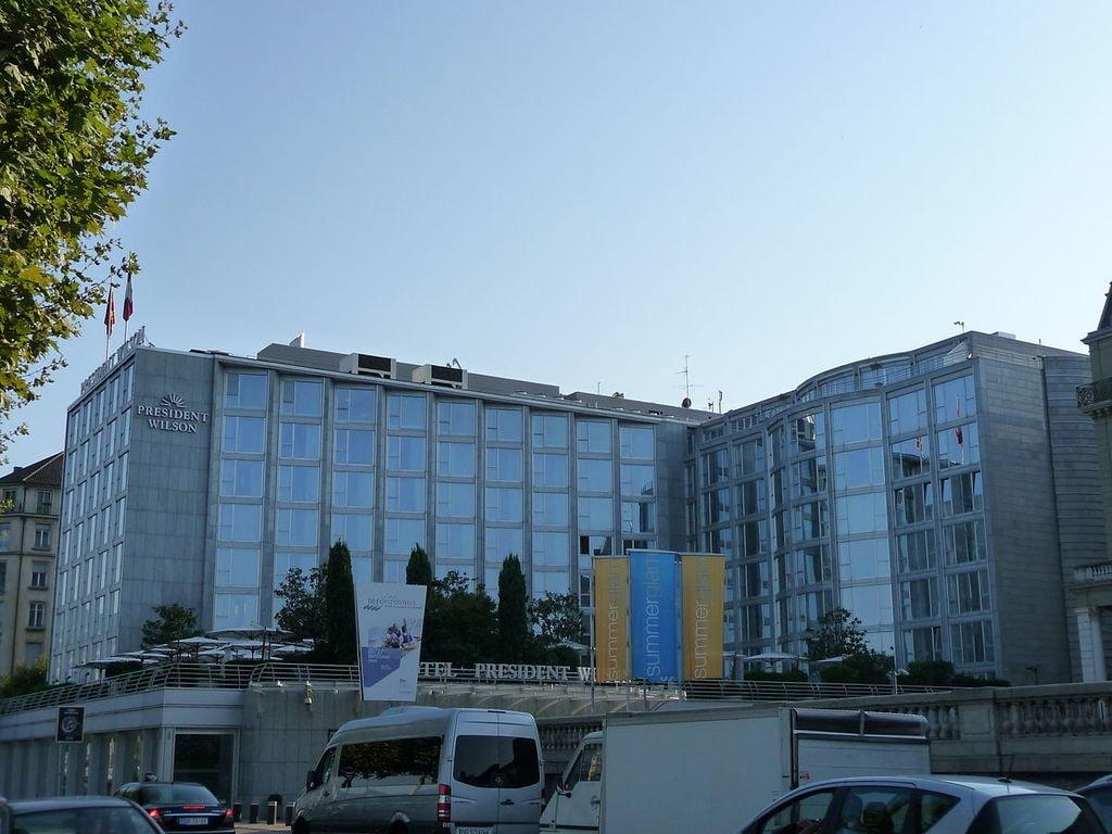 1200px-New_Hotel_Président_Wilson