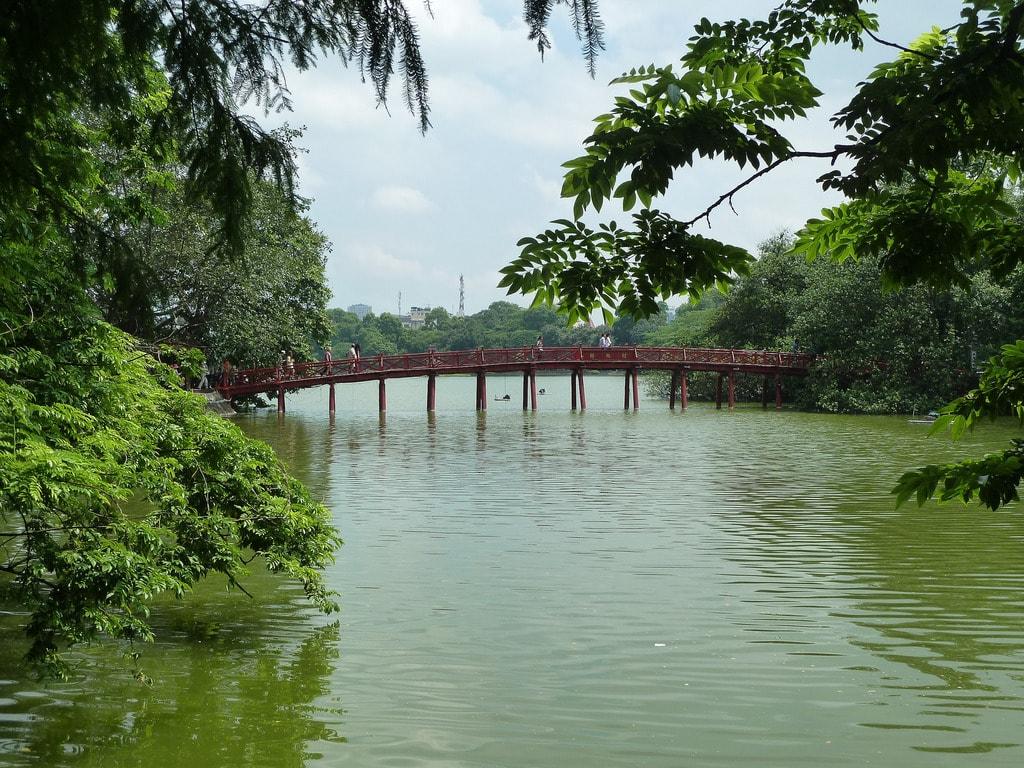 Hoan Kiem Lake | © lightwrite/Flickr
