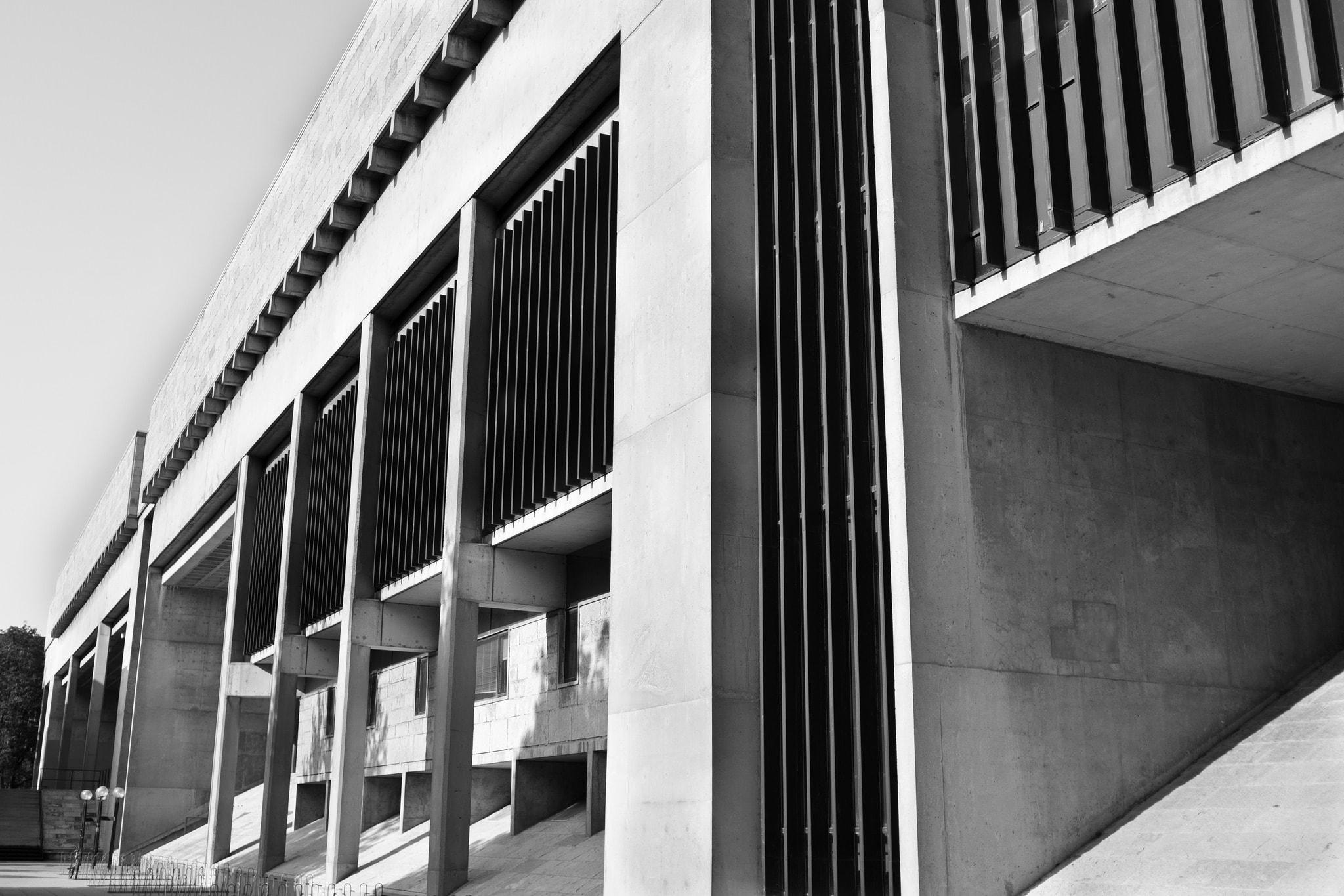 George L. Mosse Humanities Building | © Phil Roeder/flickr
