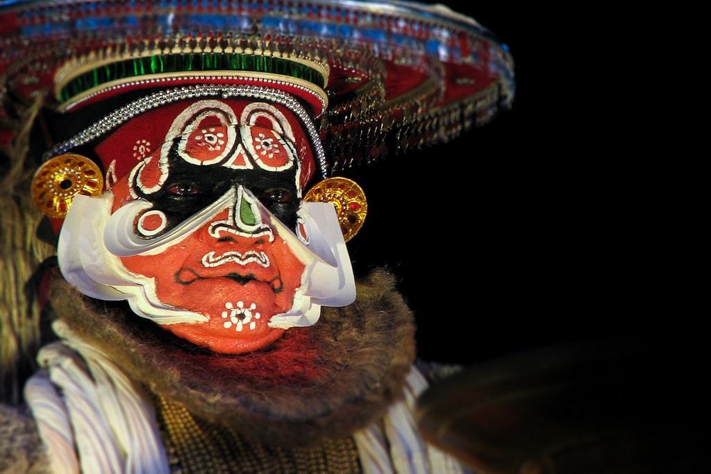 Kalamandalam Ramankutty Nair as Hanuman