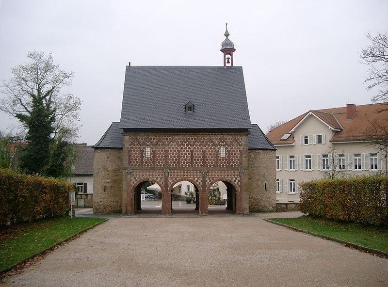 800px-Torhalle_Lorsch