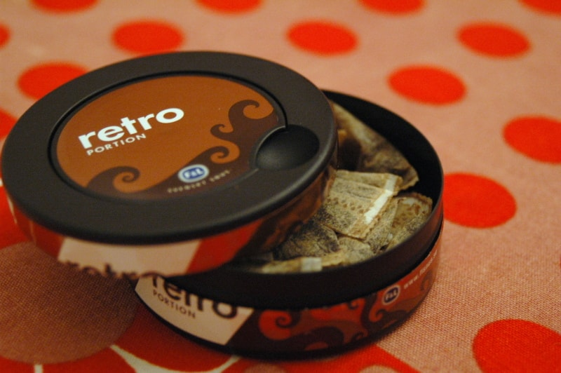 Snus now comes in small satchels, ready to use | © nyuhuhuu/Flickr