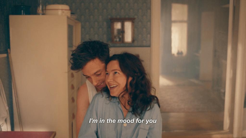 Volker Bruch and Hannah Herzsprung in 'Babylon Berlin' | © Netflix