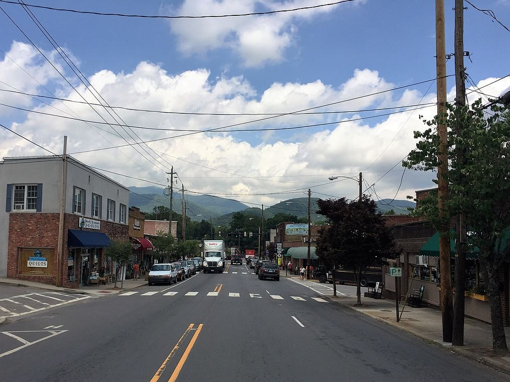 Black_Mountain_NC_downtown