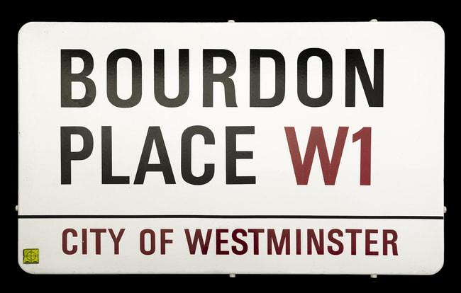 Bourbon-Place-street-sign