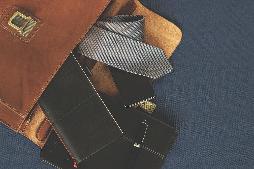 briefcase-1578138_1280