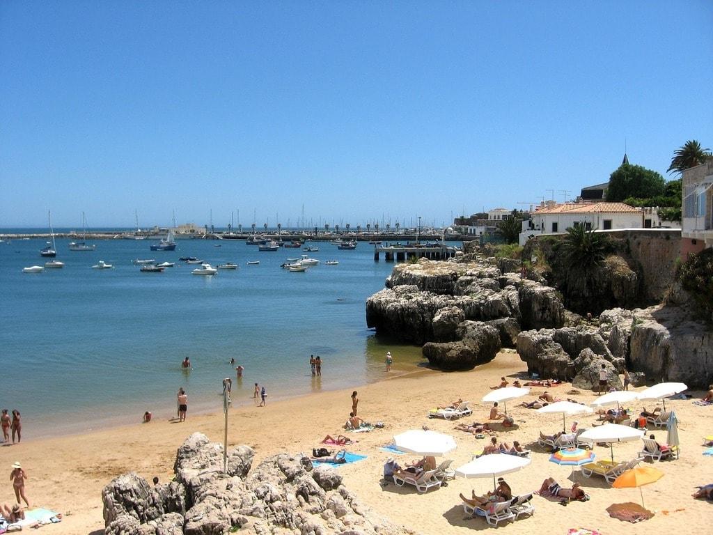 https://pixabay.com/en/cascais-lisbon-portugal-travel-sea-1346899/