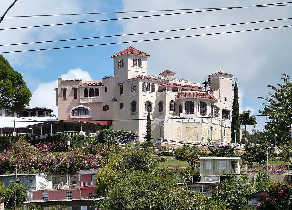 Castillo_Serralles_from_below_-_Ponce_Puerto_Rico