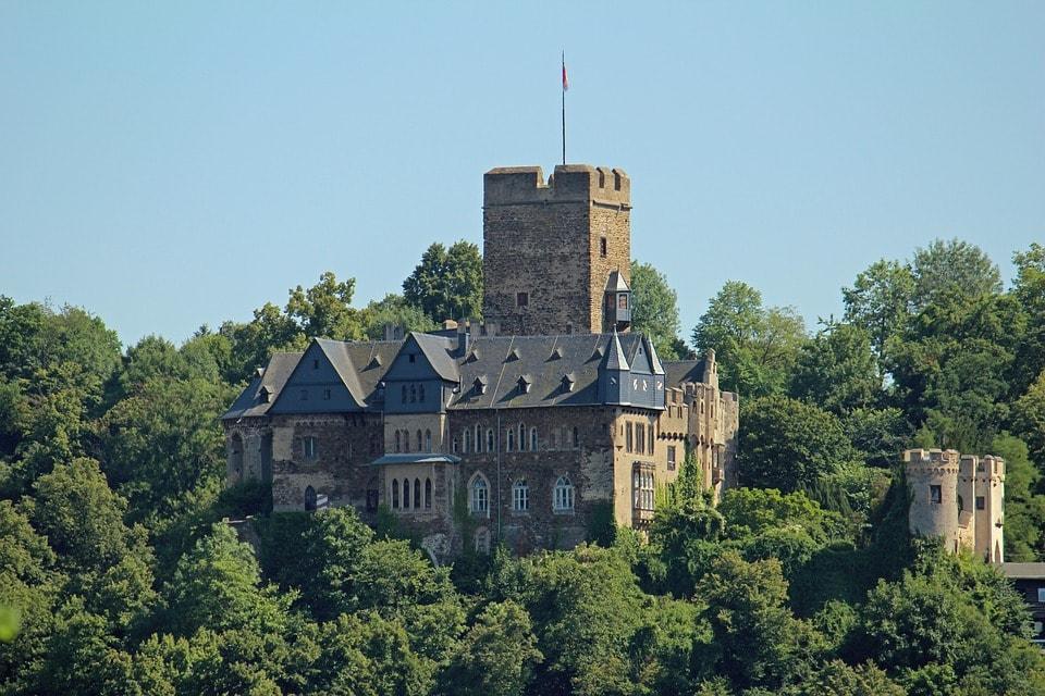 castle-2169050_960_720