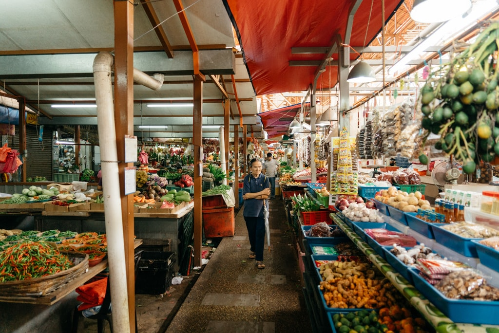 Locals have been coming here for decades to buy their fresh produce | Irene Navarro / © Culture Trip