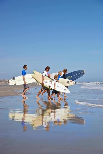 ExploreCharleston_Beaches_1_Sz5HqjzPx4SwhHCcB3UrHfr18q0ABlZBh_rgb_s (1)