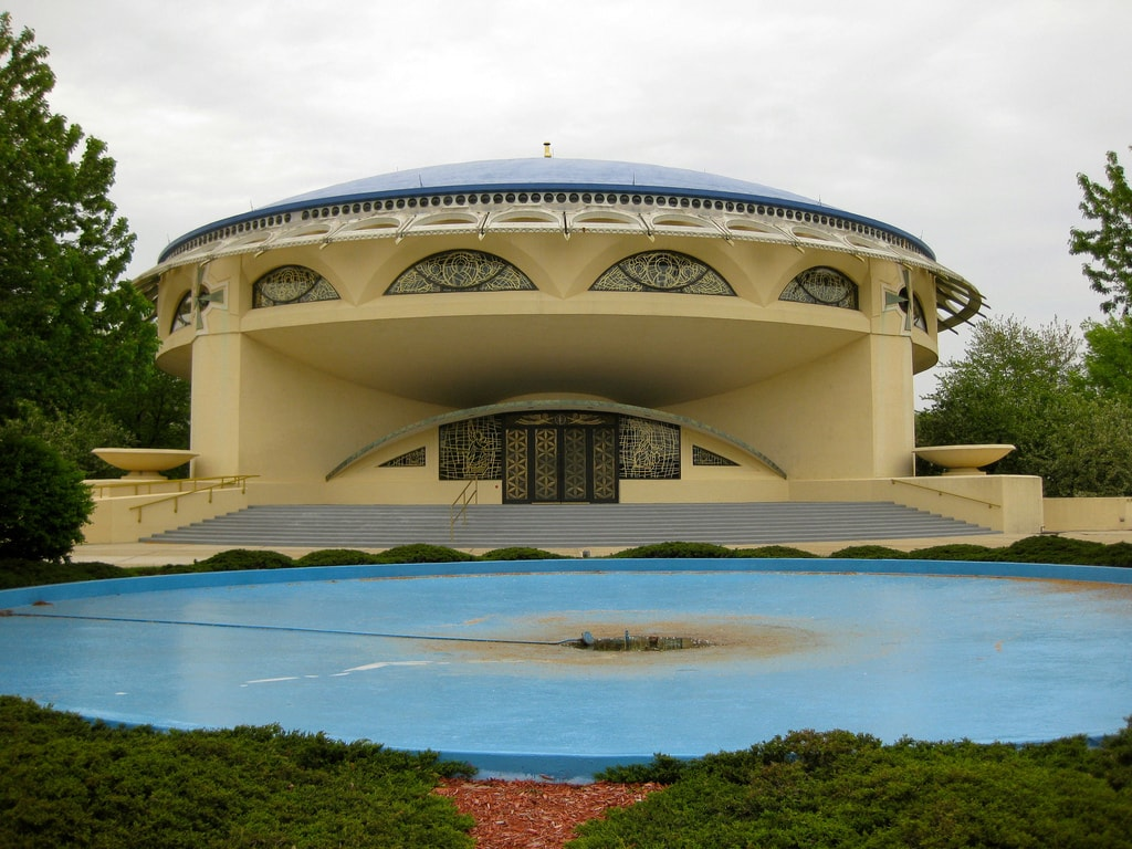 Annunciation Greek Orthodox Church by Frank Lloyd Wright | © Richie Diesterheft/flickr