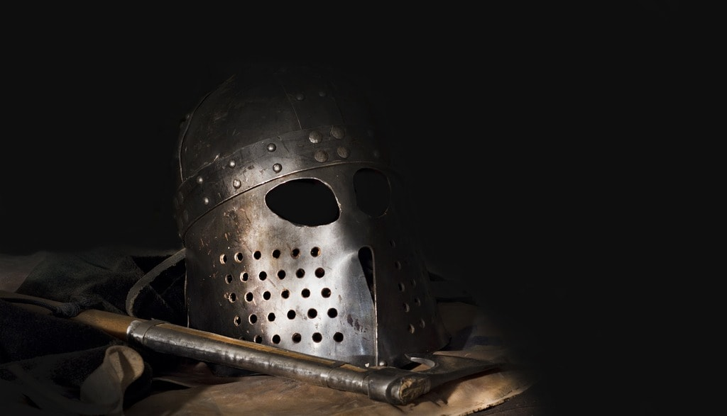Viking helmet and ax | © Baldr80/Pixabay