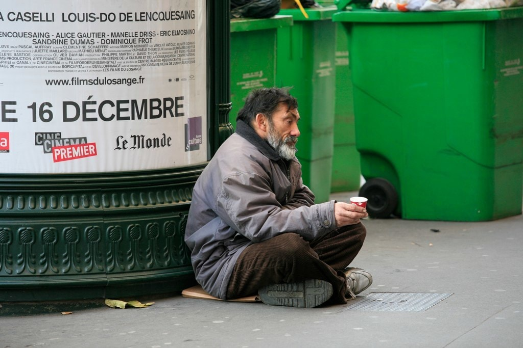 Paris counts its homeless for the first time heres why its important