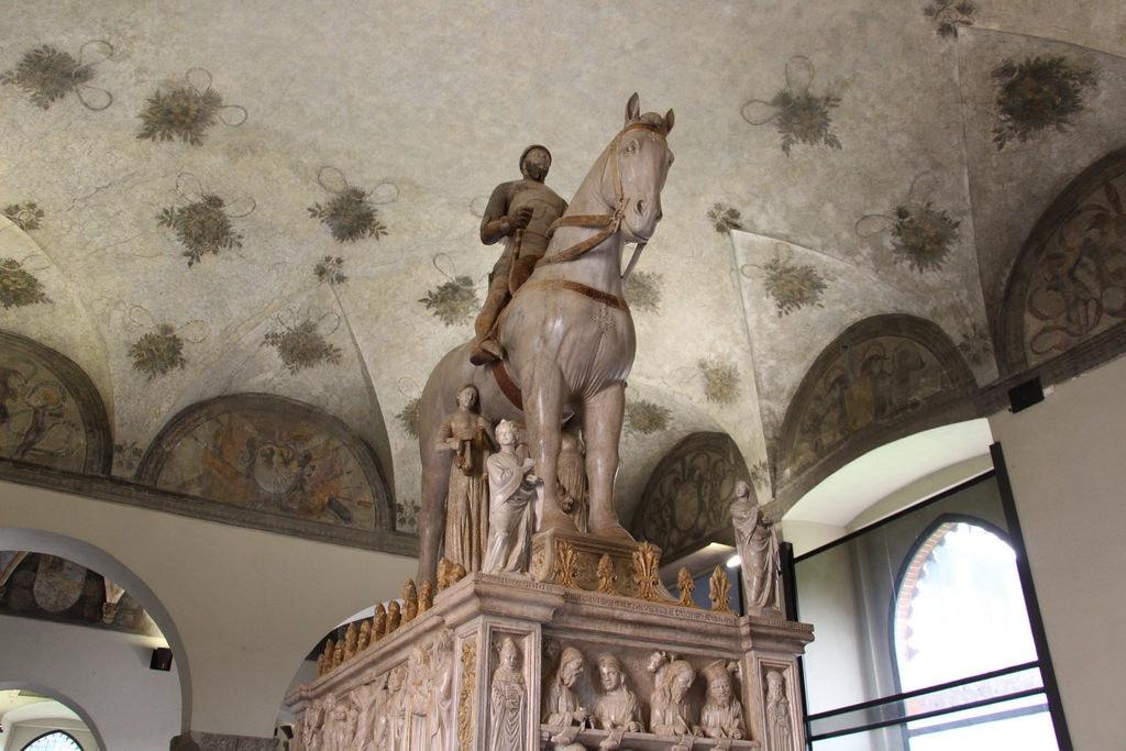 Tomb of Bernabo Visconti made by Bonino da Campione in 1363, inside Castello Sforzesco | © Flickr/Fred Romero