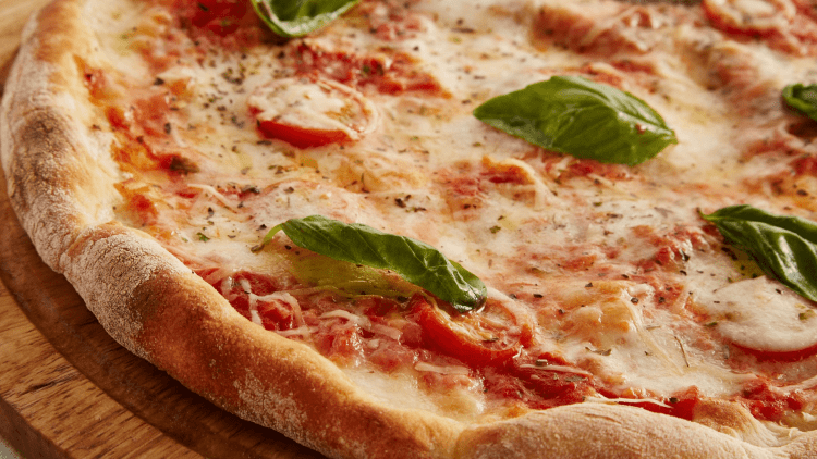 Nothing beats a classic Margherita pizza | © Petrovhey / Pixabay