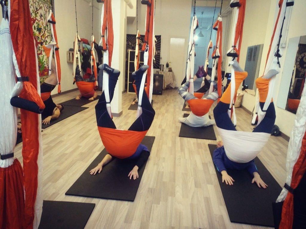 La Vida en Verde, aerial yoga