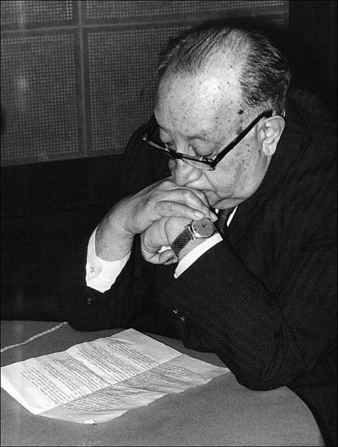 Miguel_Angel_Asturias,_Nobel_Prize_of_Litterature_1967,_at_the_UNESCO's_studios