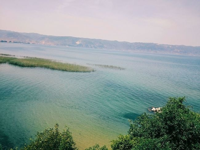 Ohrid_Lake,_Pogradec AmbraZ WikiCommons