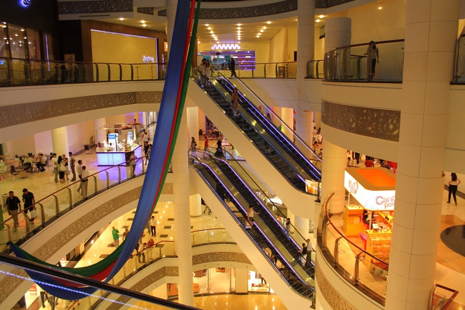 Inside Park Bulvar Mall where the cinema is located | © Gulustan/WikiCommons