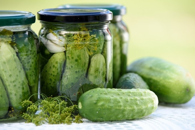 pickled_cucumbers_homemade_preserves_jars_eating_natural_food_eco_homemade_healthy_eating-573617.jpg!d