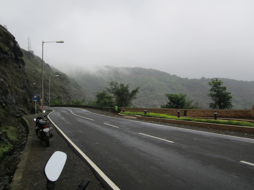 Road to Lavasa from Pune