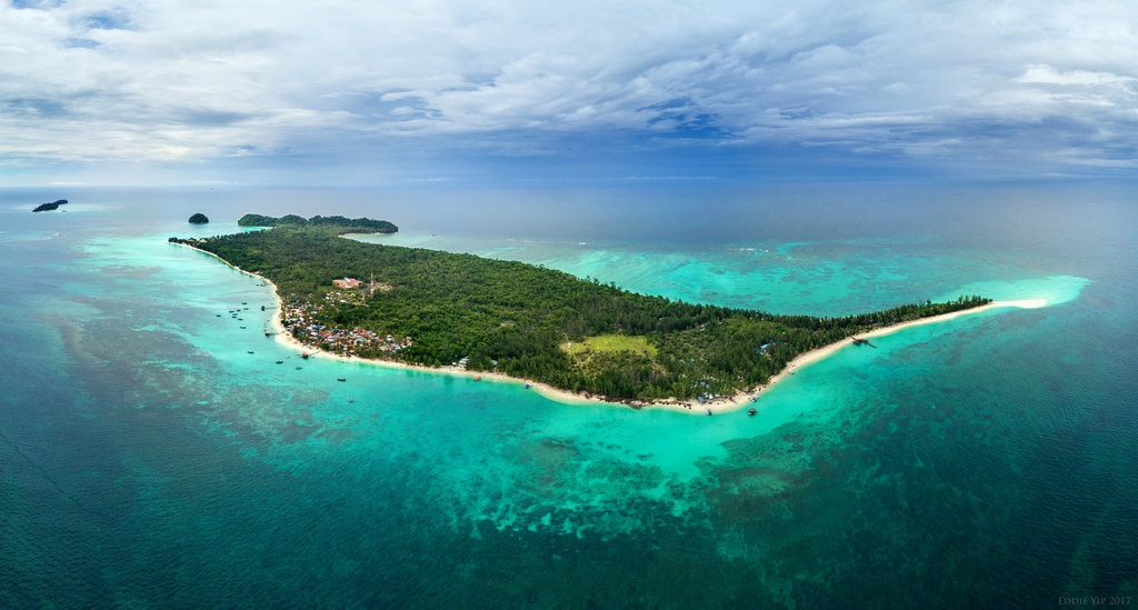 Mantanani Island also offers great diving experience   © Eddie Yip/Shutterstock
