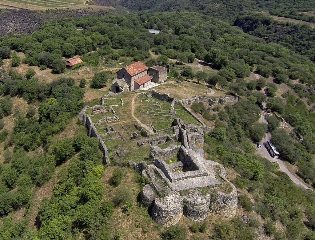Ruins_of_Dmanisi_Castle