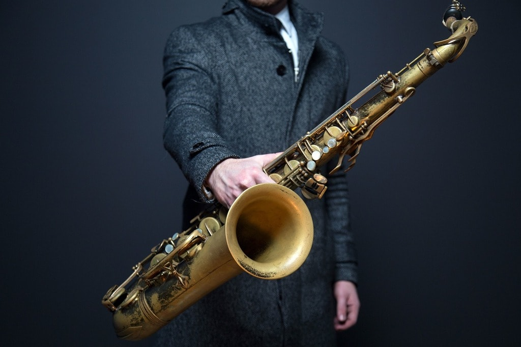 https://pixabay.com/en/saxophone-sax-player-musician-918904/