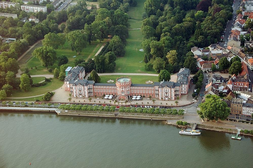 Schloss_Biebrich_fg01