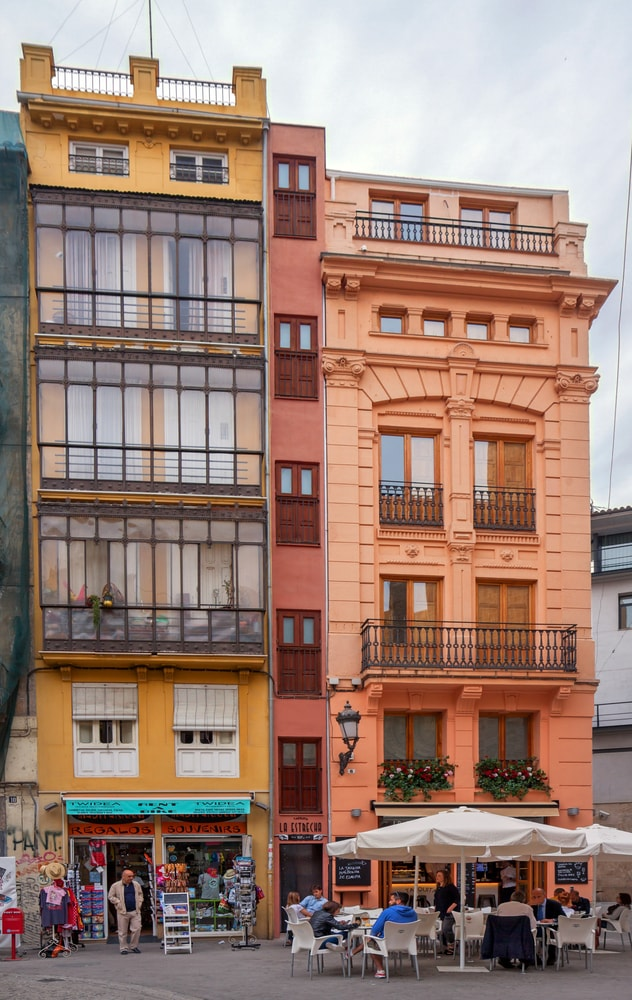 The narrowest house in Old Town, Valencia, Spain | © Roel Slootweg/Shutterstock