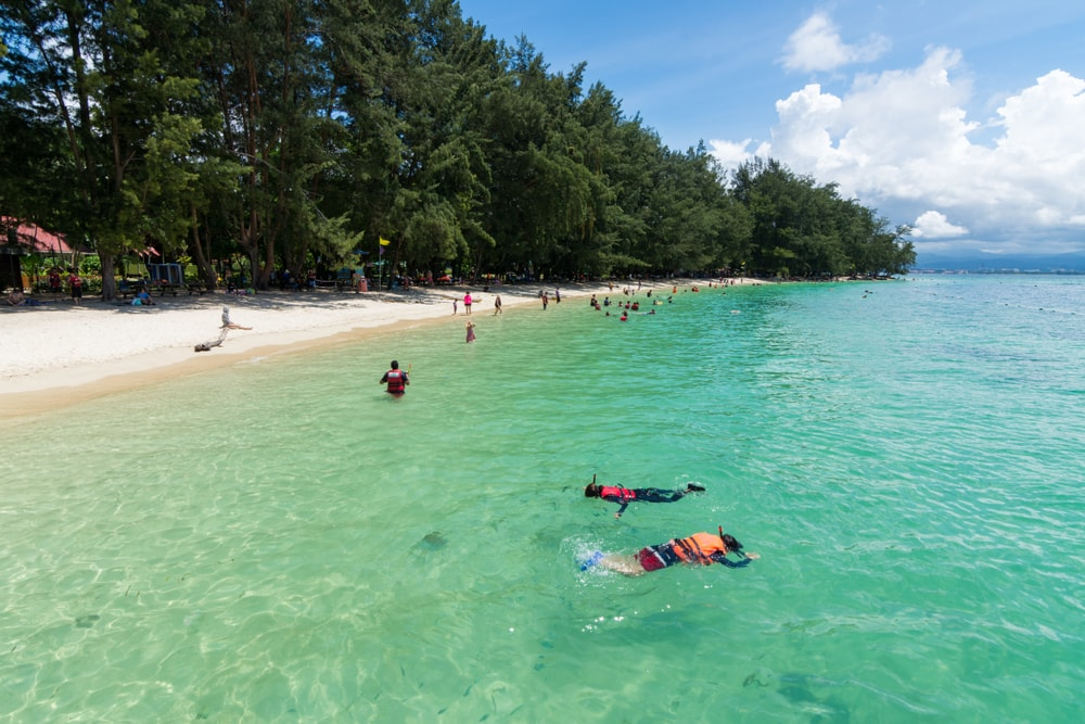 Snorkeling is one of the popular activities in Manukan Island | © Abang Faizul/Shutterstock