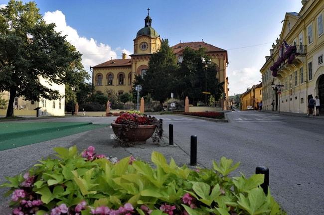 Sremski Square
