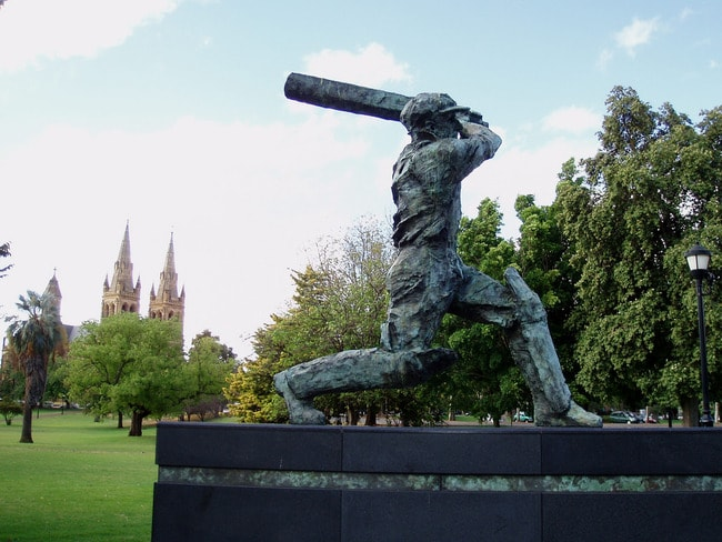 Statue of Sir Donald Bradman at the Adelaide Oval | © Amanda Slater/Flickr
