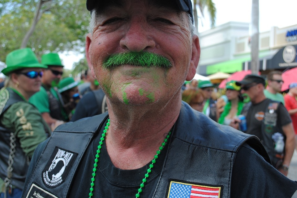 https://pixabay.com/en/st-patrick-s-day-parade-green-1255609/