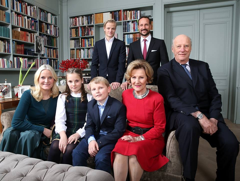 The Royal Family... and Marius | © Lise Åserud/NTB Scanpix, Courtesy of Kongehuset