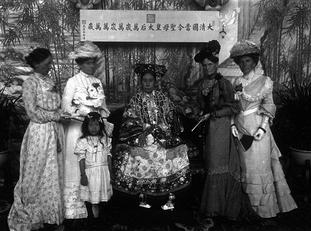The_Qing_Dynasty_Cixi_Imperial_Dowager_Empress_of_China_On_Throne_7